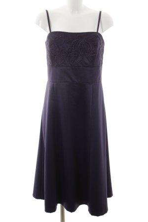 Zero Abendkleid dunkelviolett Elegant
