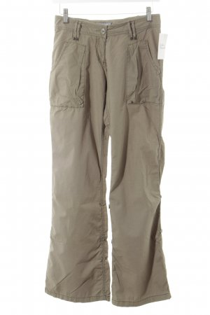 Zero Base Bermudas olive green safari look