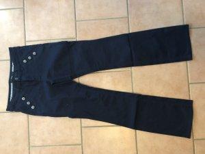 Zero Jeans mit Knopfleiste