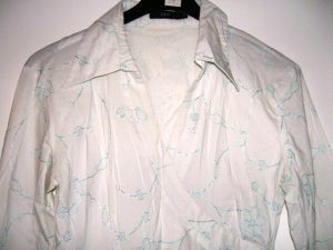 Zero, schicke Bürohemd, Weiß mit Blumen, Strickerei Türkis, Gr. 36