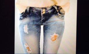 Zerrissene Jeans blau