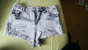 Zerrissene Jeanshotpants