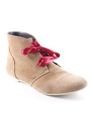 Zign Desert Boots camel casual look