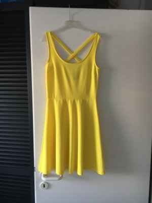 Zitronengelbes Sommerkleid