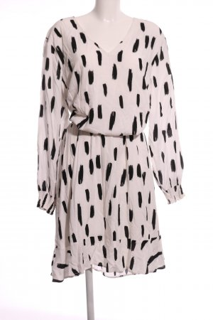 Zizzi Maxi Dress cream-black allover print casual look