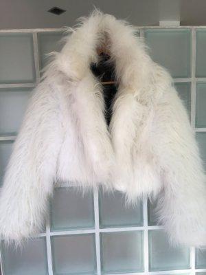 Zottelige Fake Fur Jacke weiß