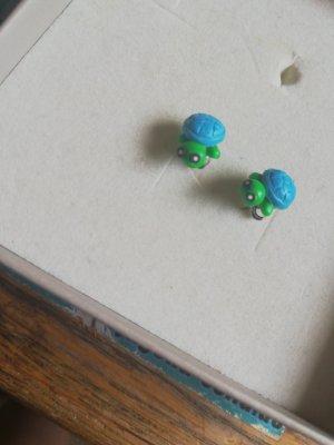 Ear stud blue-green