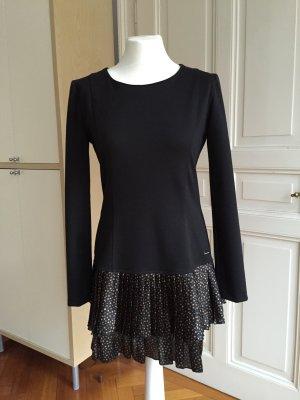 Zuckersüßes Kleidchen, schwarz mit Volantrock von Rinascimento