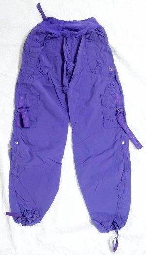 Zumba Sporthose in Knalligem Lila