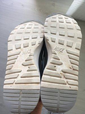 Zusatzbilder zu meinen Nike air Thea