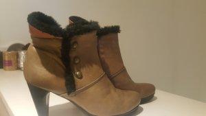 *Zustand NEU: Ankle Fell Boots Braun Gr. 38