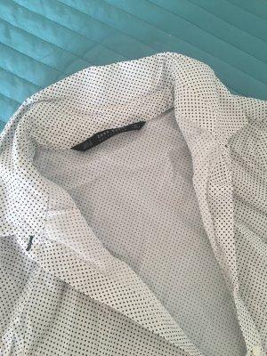 Zwei Blusen von Mango und Zara