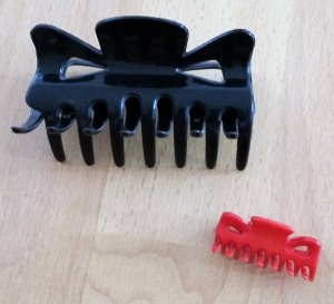 Hair Clip black-red