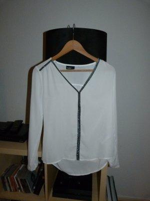 Zwei Hemd, weiss und schwarz, große XS, 8 euro pro Stuck