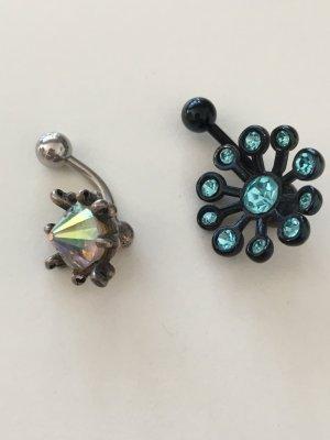 Zwei Piercing ( Bauchnabel )