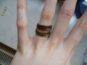 Zwei Ringe in Gold und Bronze, Set, Blätter, Vintage