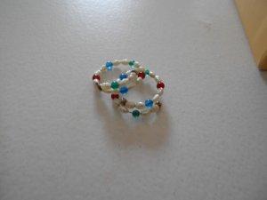 Zwei Ringe Perlenstrang