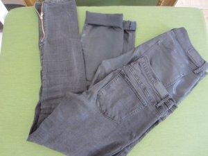 Zwei schwarze Esprit (Röhren) Hosen gr. 38