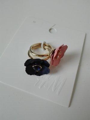 Zwei süße goldene Ringe mit Blüten - Neu mit Etikett