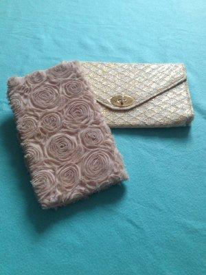 Zwei süße Handtaschen