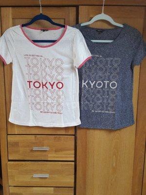zwei T-Shirts von Review