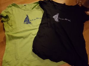 zwei tolle T-shirts