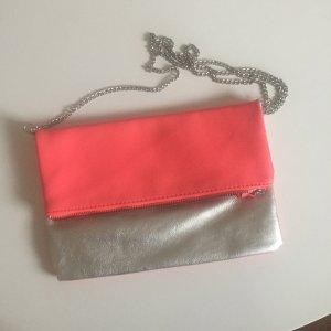 zweifarbige Tasche mit Überschlag