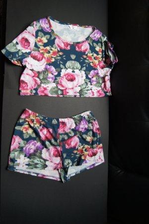 Zweiteiler, Pyjama mit Blumenmuster, Cropped Top und High-Waist-Shorts