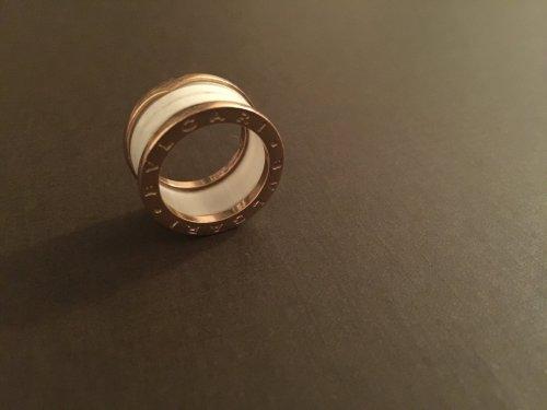 bulgari ring 18 karat ros gold mit wei er keramik m dchenflohmarkt. Black Bedroom Furniture Sets. Home Design Ideas