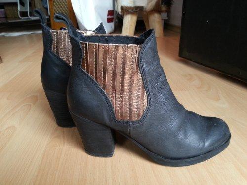 chelsea ankle leder boots mit absatz gr e 37. Black Bedroom Furniture Sets. Home Design Ideas