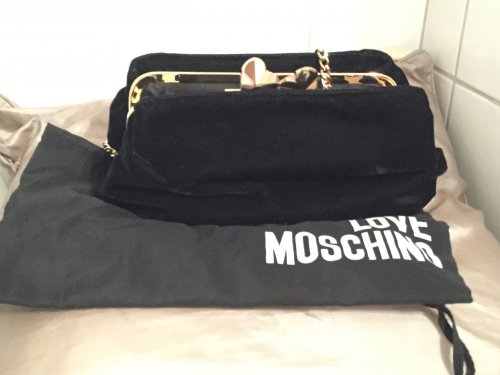 love moschino bag tasche clutch black gold samt ribbon small chain m dchenflohmarkt. Black Bedroom Furniture Sets. Home Design Ideas