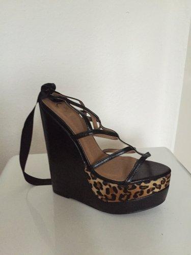 neue keilabsatz high heels mit leo print m dchenflohmarkt. Black Bedroom Furniture Sets. Home Design Ideas
