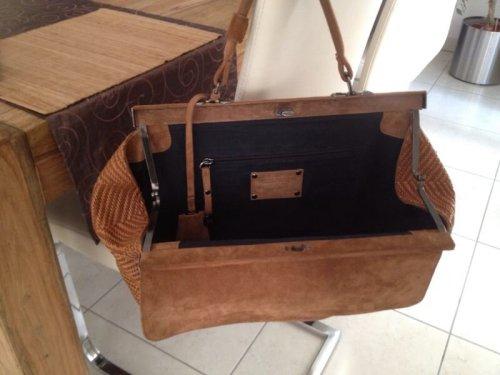 sch ne ausgefallene handtasche von strenesse. Black Bedroom Furniture Sets. Home Design Ideas