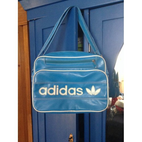 adidas originals retro tasche sporttasche. Black Bedroom Furniture Sets. Home Design Ideas