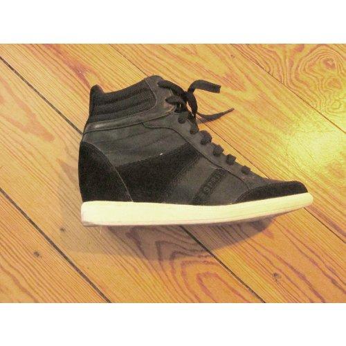 esprit blomma sneakers mit keilabsatz m dchenflohmarkt. Black Bedroom Furniture Sets. Home Design Ideas