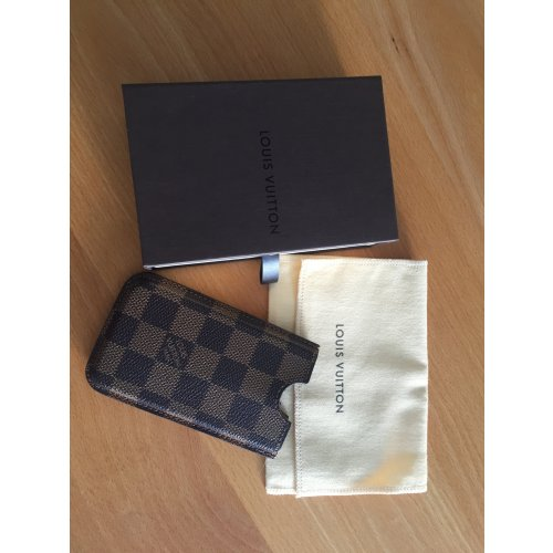 original iphone h lle louis vuitton damier ebene m dchenflohmarkt. Black Bedroom Furniture Sets. Home Design Ideas