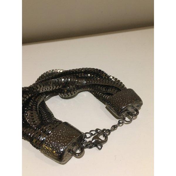 8 Armband mit verschiedenen Bändern, NEU und ungetragen