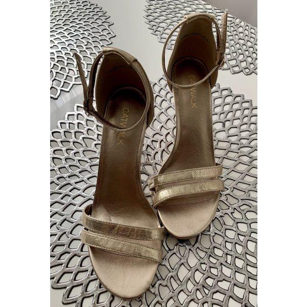 Absatz Sandale