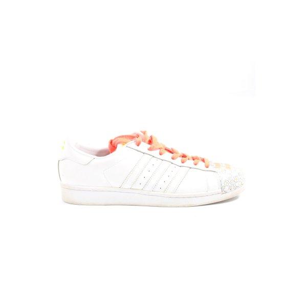 Adidas Schnürsneaker grafisches Muster sportlicher Stil