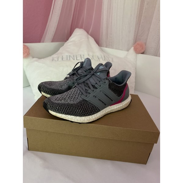 Adidas Ultra Boost 42 2/3