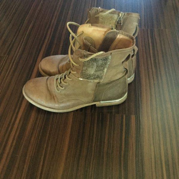 Air Step Boots beige