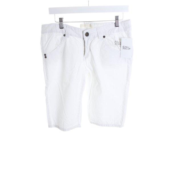 Alcott Bermuda blanco look casual