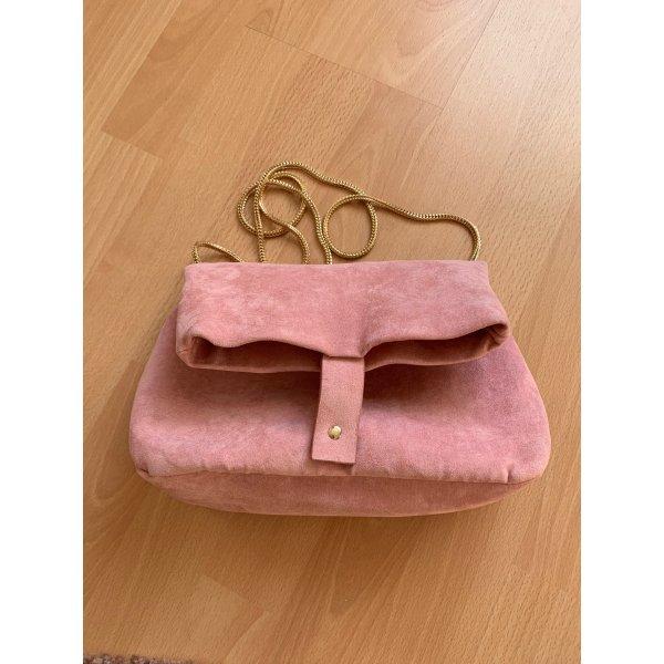 Altrosa Handtasche mit goldenem Riemen