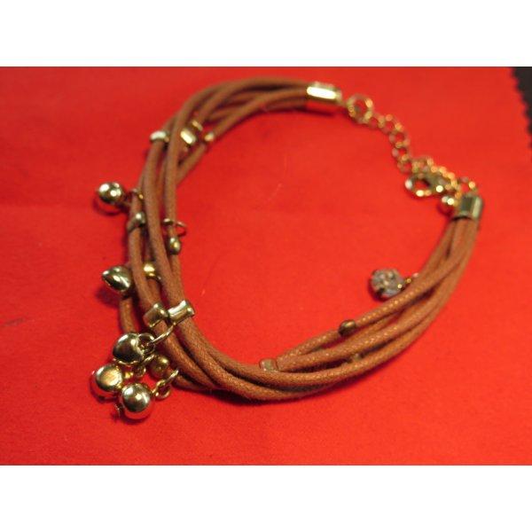 Armband mit hübschen Accessoires