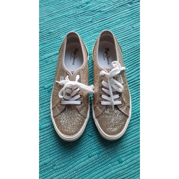 Auffällige Sneakers