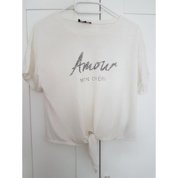 Bauchfreies T-Shirts zum Binden