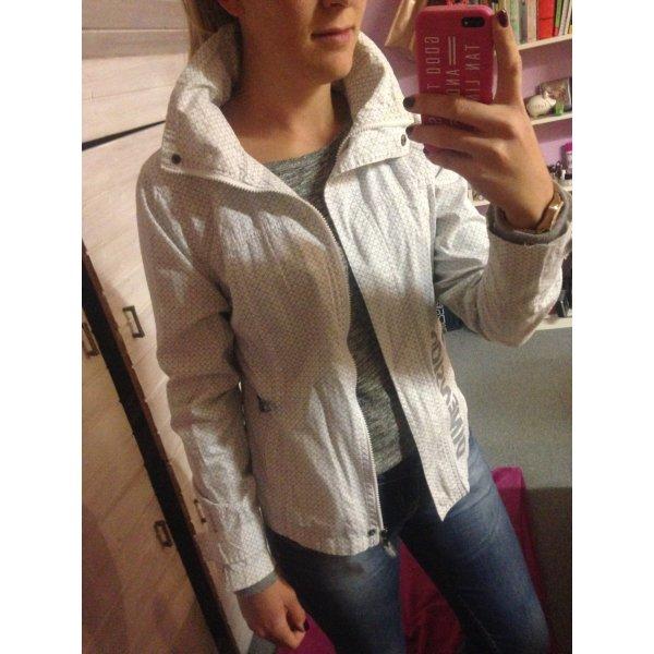 Blouson-ähnliche dünne Jacke in tollem Schnitt