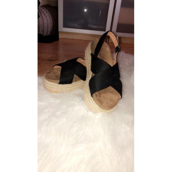 Boohoo Espadrille-Sandaletten mit überkreuzter Front und Absatz