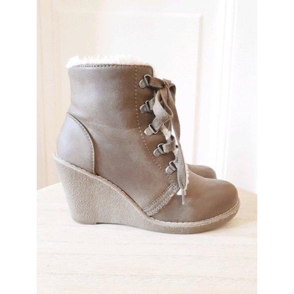 Boots Fellbesatz Kreilabsatz