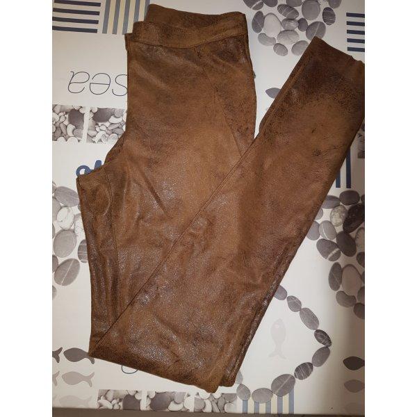 Braune Kunstlederhose / Röhrenhose von b.young